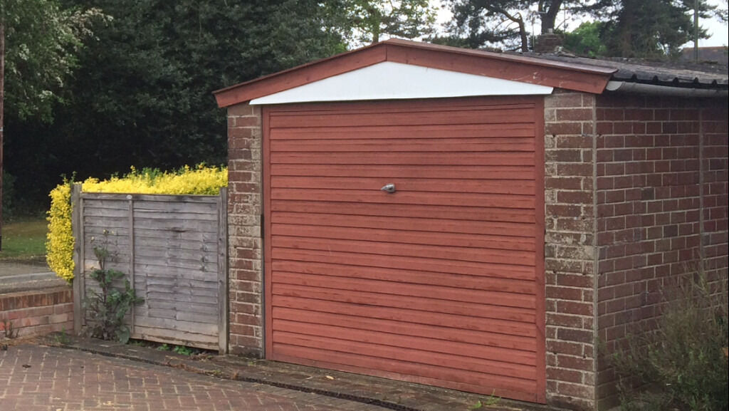 Concrete Sectional GarageFREEin Bromley, LondonGumtree - Concrete Sectional Garage 6.19m x 2.7m FREE to be dismantled and removed this weekend