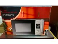MICROWAVE OVEN/GRILL. USED TWICE. 2 WEEKS OLD. BOXED