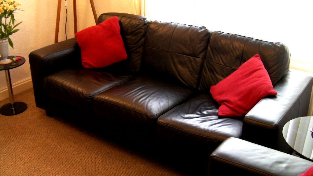 2 A 3 Seater Ikea Skogaby Black Leather Sofas Settees 1 Year Old