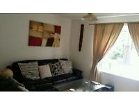 Spacious double room in 2 bedroom flat