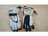 Childs Tres-Tex Ski Gloves age 10-12