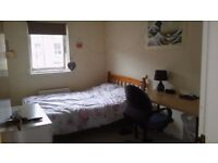 Furnished bedroom available in a bright 2 bedroom flat