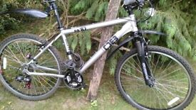 diamondback me10 front suspension,mudguards,lights,lock,very little use,as day one