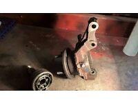 1999 Landrover Freelander 1.8 petrol N/S/F wheel hub including c/v joint in good condition