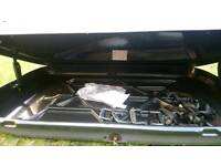 Fairly New Car roof box with bars, complete set
