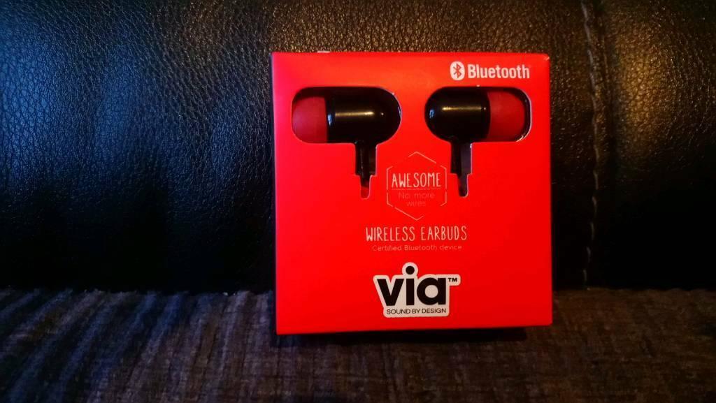 3e7fb7ba586 Wireless earphones | in Chippenham, Wiltshire | Gumtree