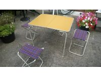 Picnic table complete with 4 stools/chairs