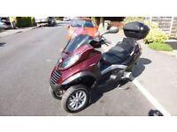low mileage vespa Piaggio mp3 250 auto scooter trike like fuoco 500 yourban 300 metropolis 400