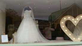 Stunning Wedding Dress size 14