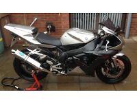 yamaha yzf r1 sports bike 1000cc
