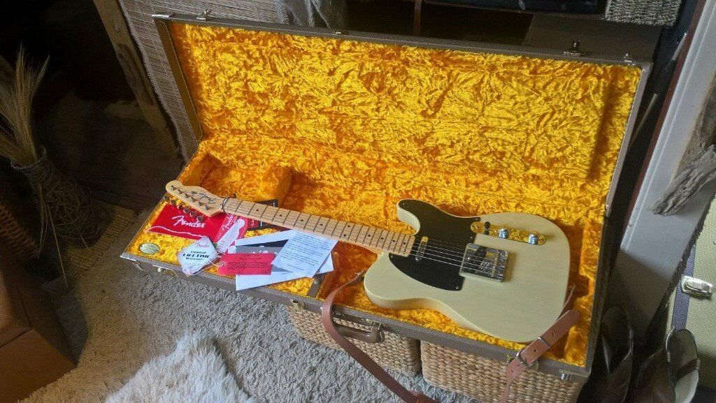 American FENDER '52 Re-issue Telecaster Korina LIMITED EDITION with DELUX FENDER CASE