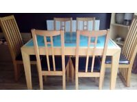 Extendable Dining Table + 6 Chairs £30