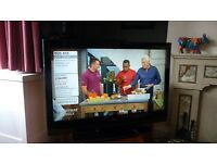 """Hitachi 32"""" Lcd tv/television HD/High Definition with Freeview"""