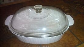 Pyrex Corning oval white glass casserole dish with - 4 litre