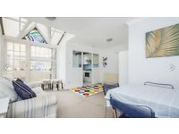 Beautiful 1st floor flat with large outside space on Lavender Hill