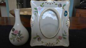 Wedgwood vase small & Aynsley Photo Frame small