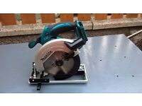 Makita DSS611 18V Circular Saw 165mm LXT with 1 battery and charger
