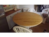 1140mm Round Shabby Chic Table and 4 Wheelback Chairs