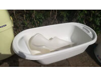 Baby bathtub and support / seat