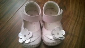 occasion ( wedding, christening) baby girl shoes size 4 (like new)