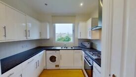 2 bedroom flat in Richmond Terrace, Rosemount, Aberdeen, AB252RP