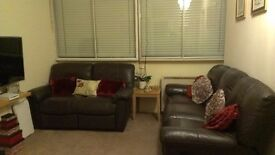 Small one Bed Flat with off street Parking on Luton/Dunstable border