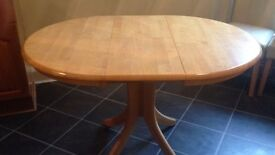 Dining table for sale £50.00 very good condition
