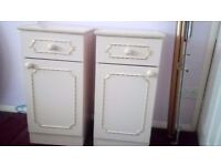 2 Cream Bedside Cabinets