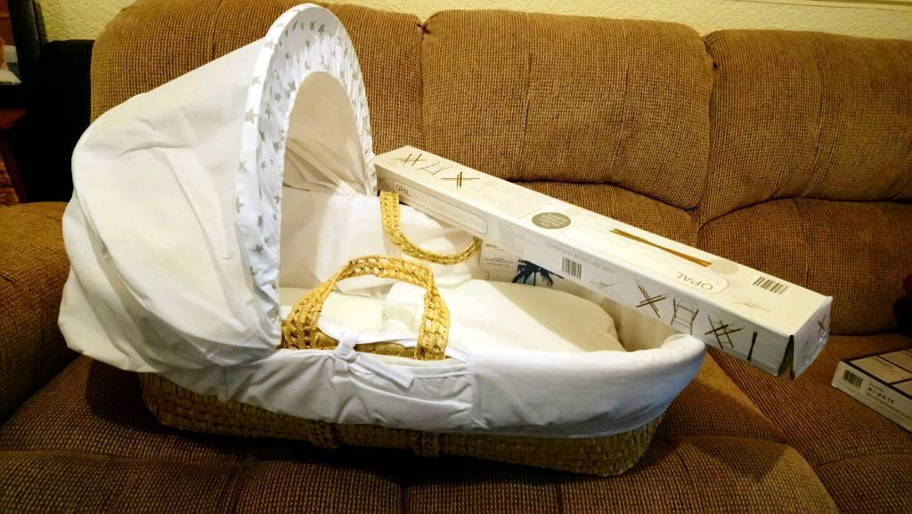 Brand new moses basket with stand