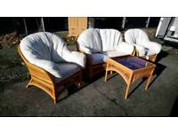 4 PIECE RATTAN CONSERVATORY SUITE FREE LOCAL DELIVERY