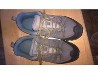 Ladies walking boots (Mountain Warehouse) Size: UK 6/Eur 39