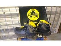 Safety boots size UK42/8