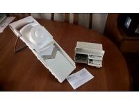 Manual food slicer / grater by Pampered Chef