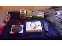 Xbox 360, dj hero, 2 controllers, HDMi cable and games