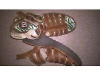 funky chunky fly sandals. size 5.