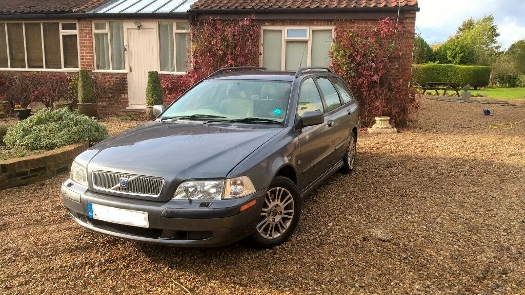 Volvo V40 Estate 1.8 Petrol/LPG very economic : 9p a mile to run