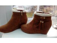 Girls River Island Suede Boots Size 3 (U.K)