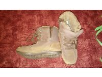 Walking Boots, Ladies size 5