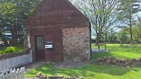 GARDENERS COTTAGE DWYRAN TO LET IN JUNE