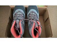 Hi-Tec waterproof walking boots size 4