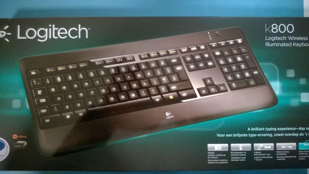 Logitech Wireless Illuminated Keyboard K800 Spanish Butto...