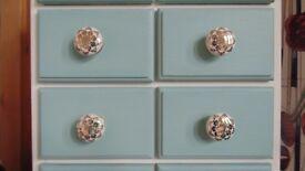 Gorgeous little drawer set