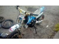 For sale 110 pit bike with clutch for spares repairs project.