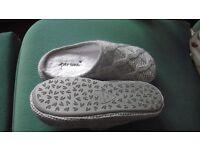 Per Uno/ M&S slippers