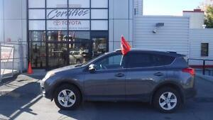 2014 Toyota RAV4 AWD XLE MAGS ET TOIT FIRST PAYMENT IN MARCH 201