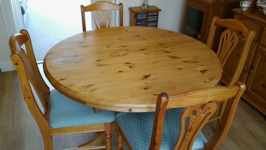 Pine Circular Extending Dining Table 4 Chairs Excellent Condition In Connahs Quay Flintshire Gumtree
