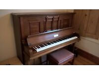 Piano upright - good condition