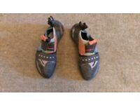 Scarpa Boostic climbing shows size 6 (38.5)