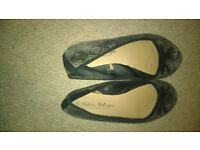 worn ladies shoes size 7 - snake print flats