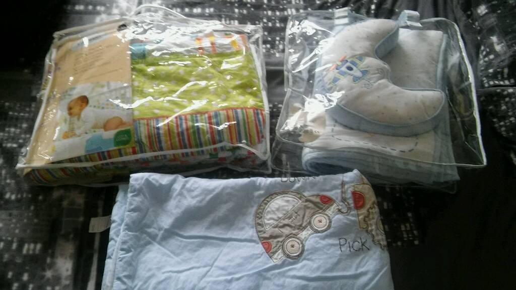 Cotbed bedding and blankets